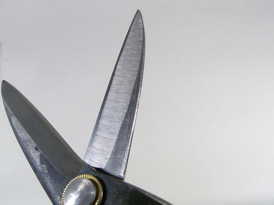 段付き刈込鋏